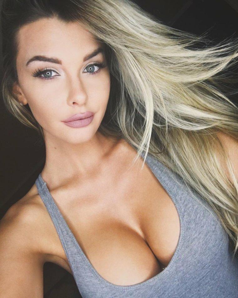 Красивые девушки с большой красивой грудью — photo 2