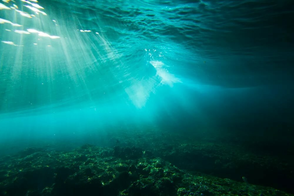 картинки свет в воде представляет собой надувной