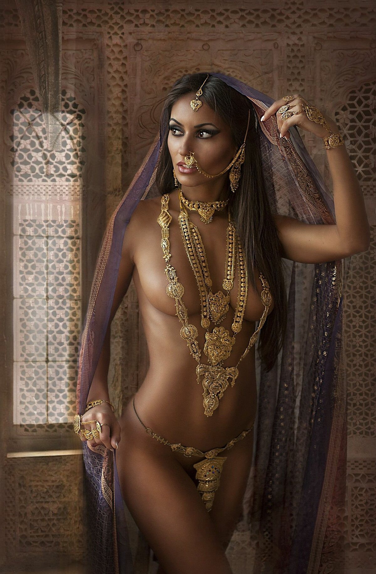 sexy-naked-middle-eastern-girl