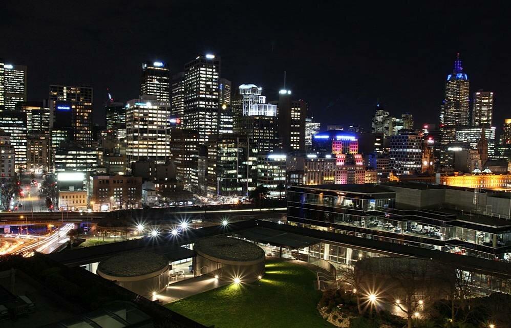 ночной мельбурн в картинках голые девушки очках