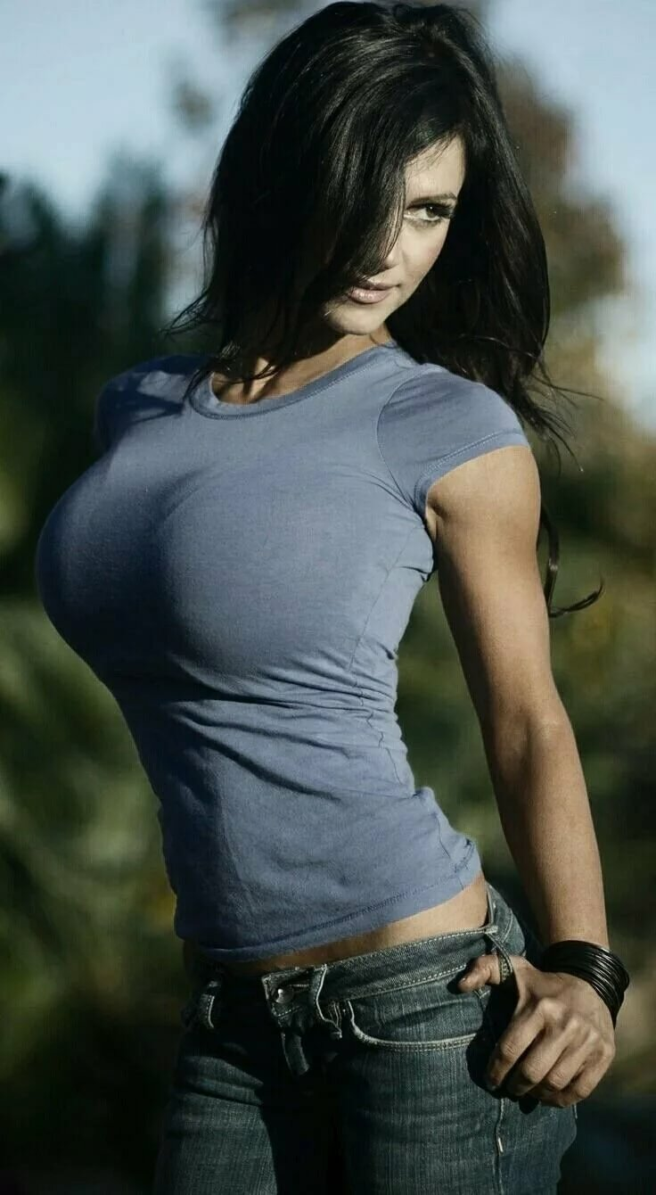 Girls in sexy t shirts — 14