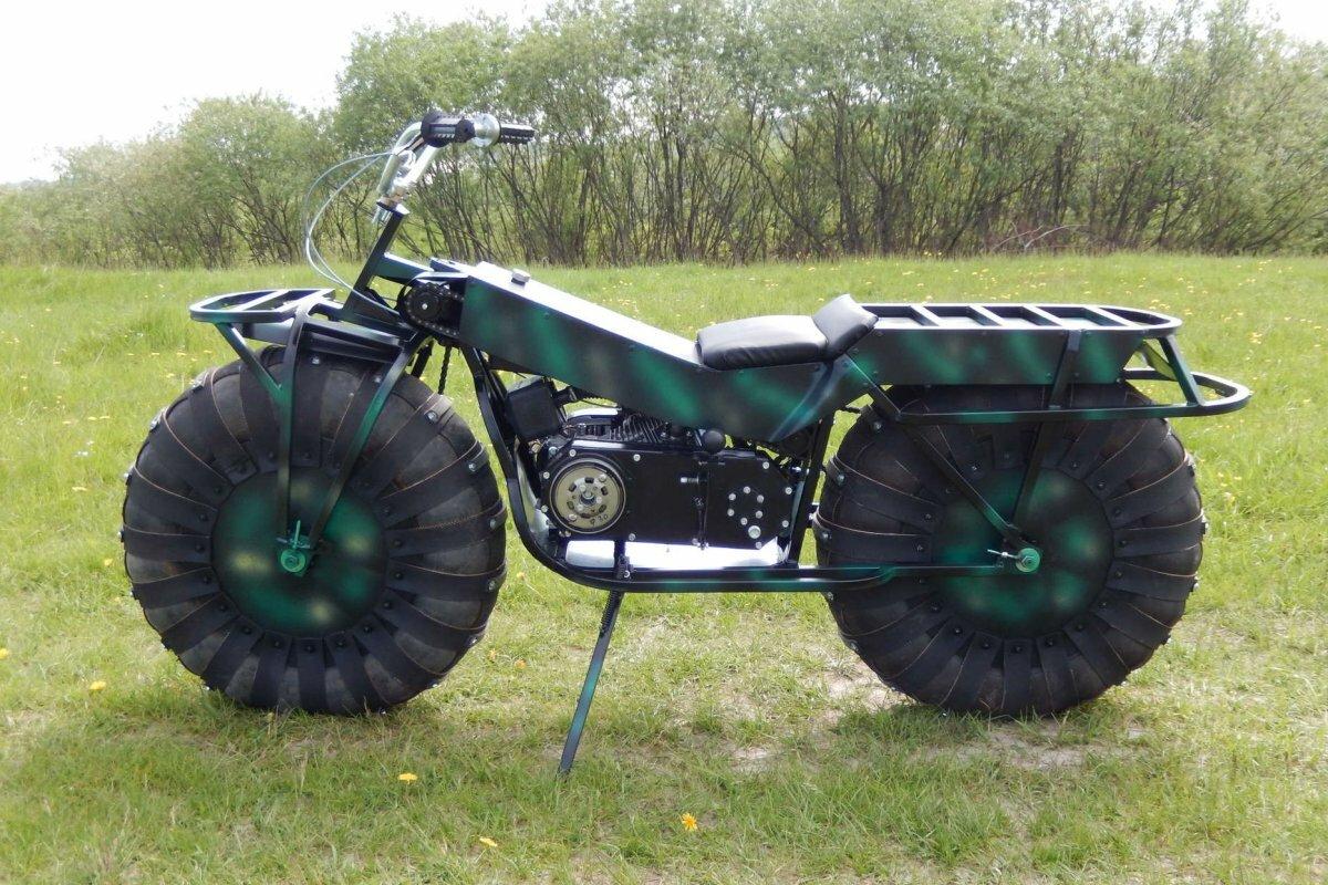 Внедорожный мотоцикл Сибирь 2×2 на пневматических колёсах