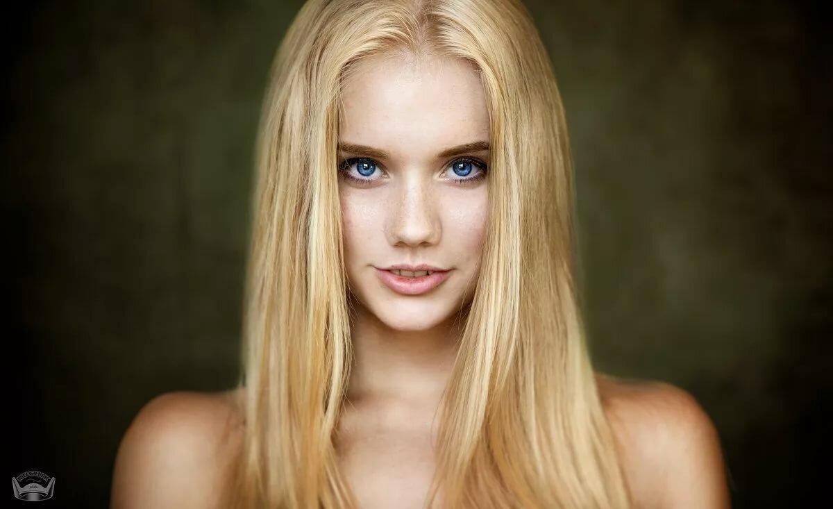 лишь голубоглазая белые волосы длинные стройная очень заинтересована том