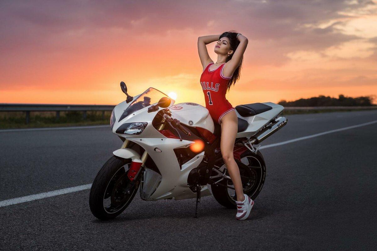 Картинки красивые девчонки на мотоциклах