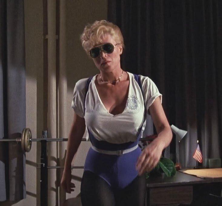 Лесли истербрук сексуальные сцены из фильмов, мачо ебет телку и стимулирует ей клитор порно
