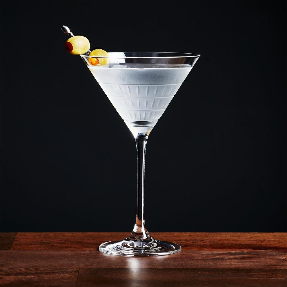 здесь картинка фужер мартини контрастным сочетанием оттенков