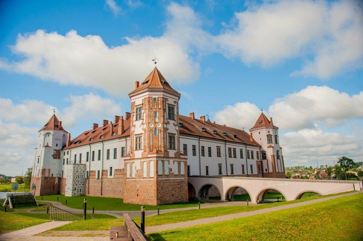 картинки замки белоруссии обои