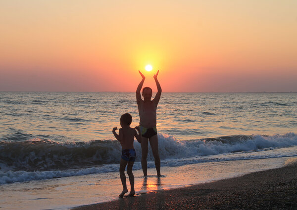 папе солнце, сыну море