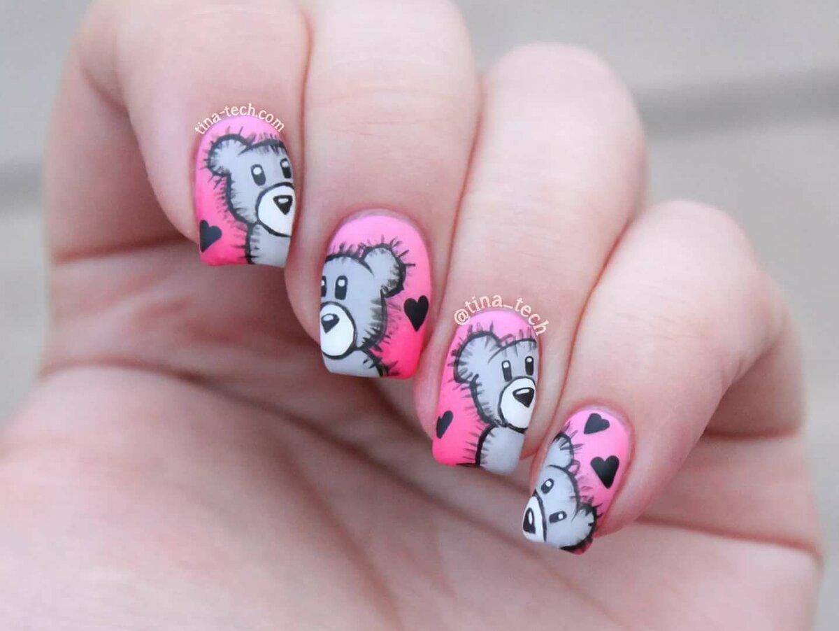 Нарощенные ногти. с прикольными рисунками, надписью хочу