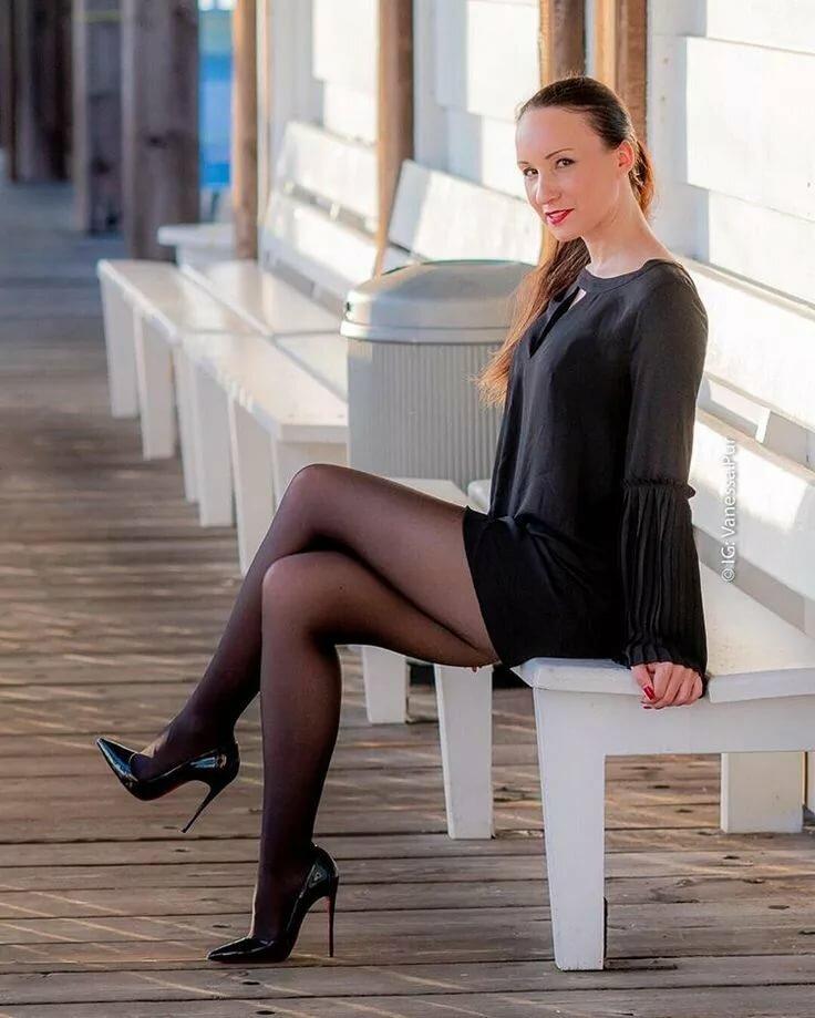 ножки черных колготках лесби темпераментны