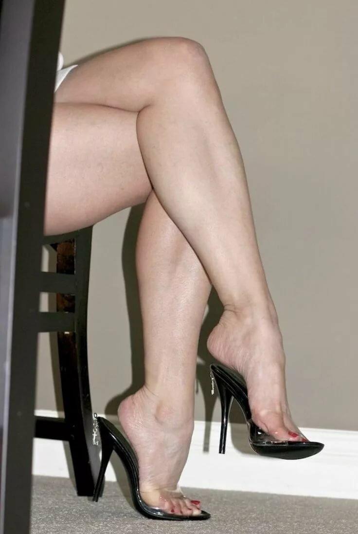 krepkie-zhenskie-nogi-pozhilih-zhenshin
