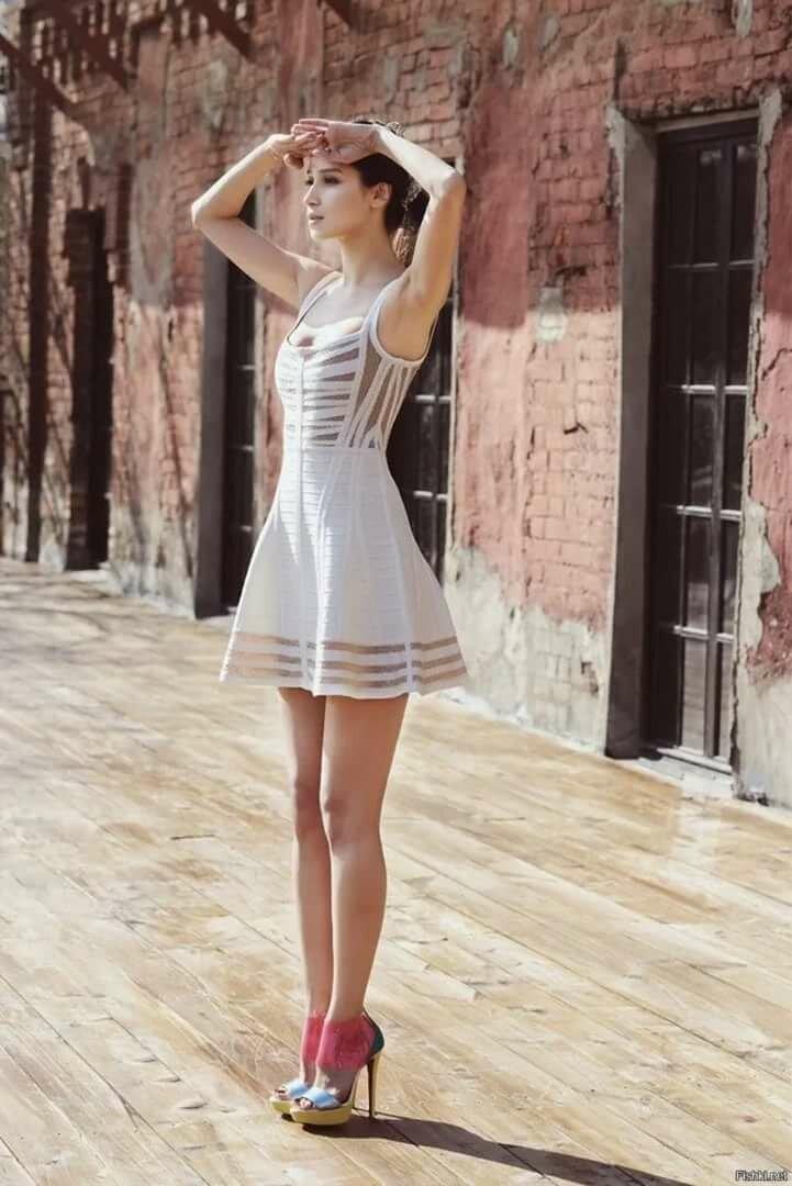 классные девушки в коротких платьях борис