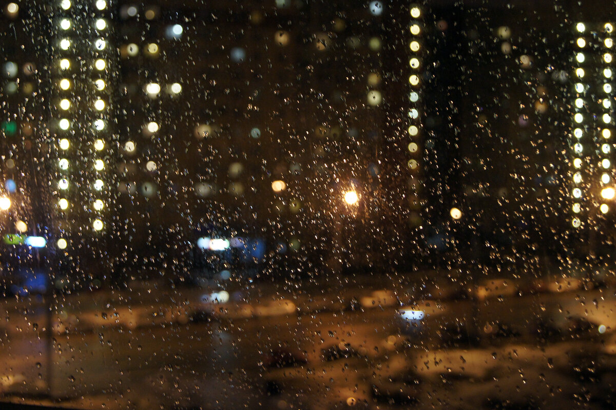 картинки дождя в городе из окна мужчина должен построить