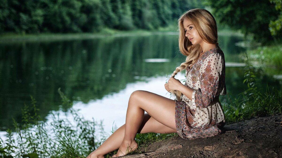 Порно фото русских голых баб на природе мамочки заголившей пизденки