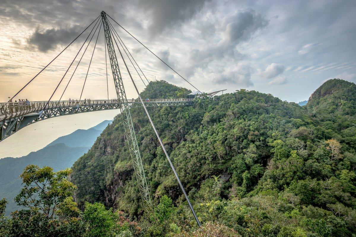 небесный мост на лангкави фото тут