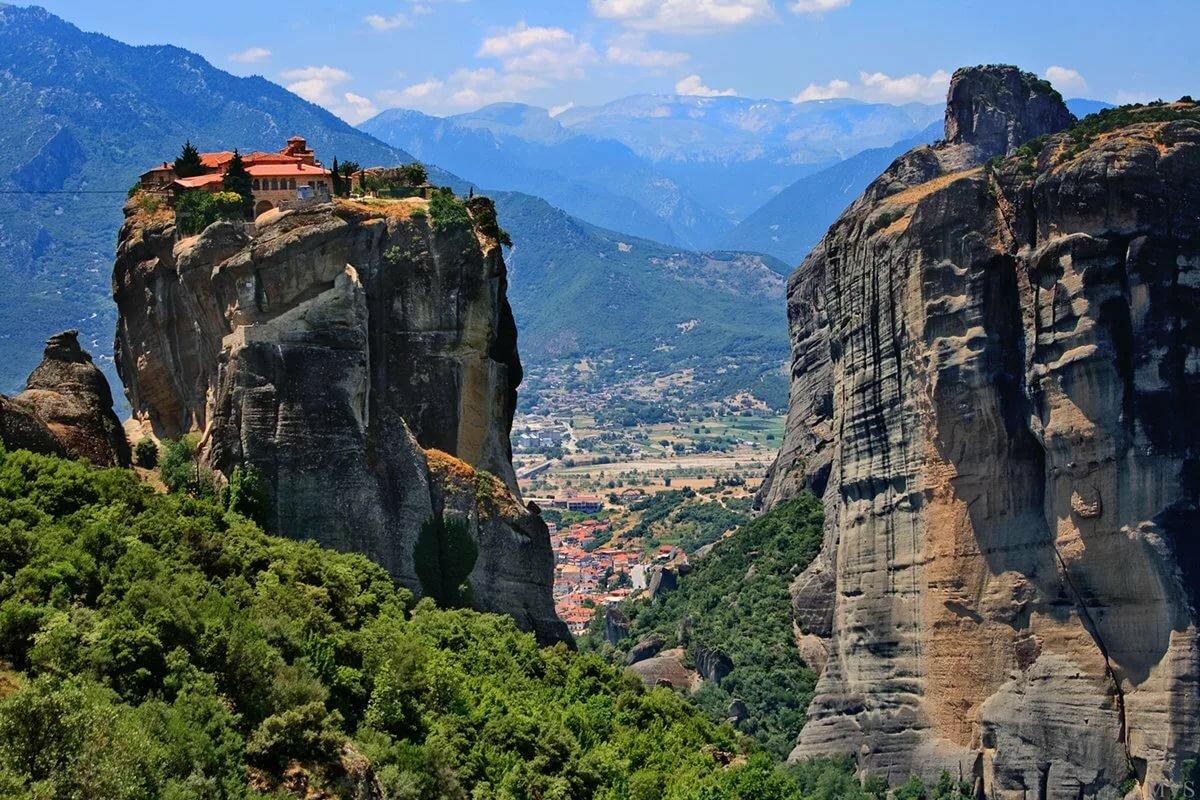 предлагаю метеоры в греции фото туристов тысячелетнем средневековом
