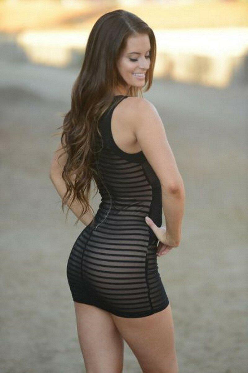 women-in-skimpy-clothing-pics