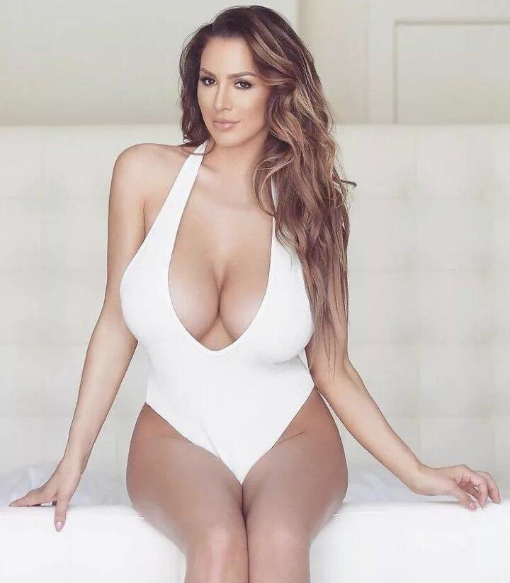 добиться, фото девушек с огромной грудью совершенно