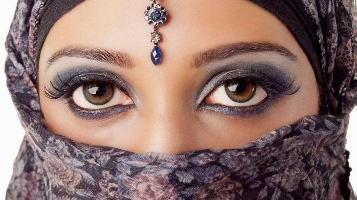 попали этот арабские девушки красивые опустился ковёр