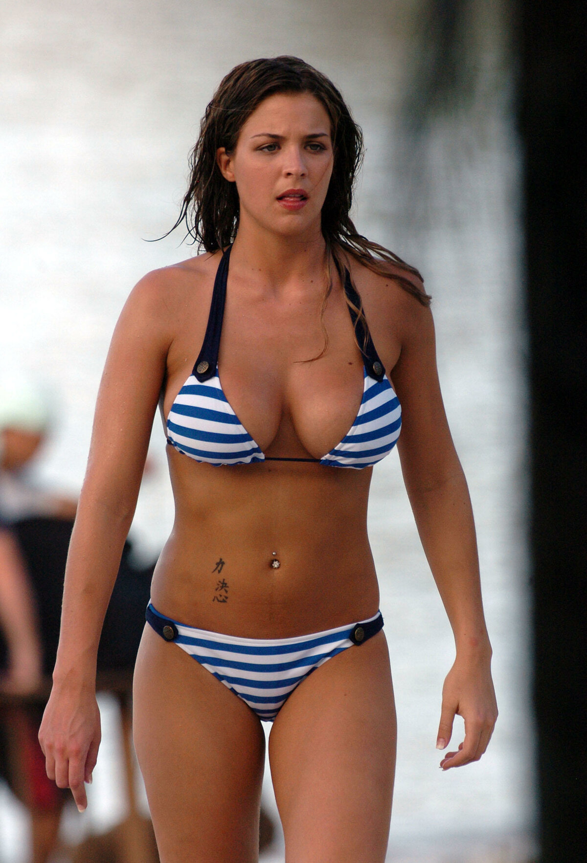 celebrity-bikini-gallery-midget-bisexual