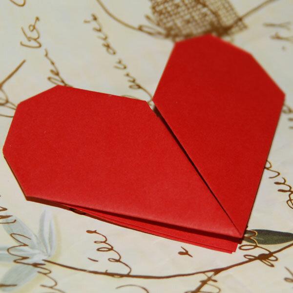 Поцелуем, открытка ко дню святого валентина оригами