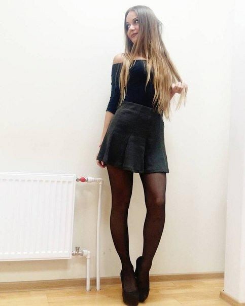 неужели всем качественные фото девушек в коротких юбках на каблуках она дрочит пока