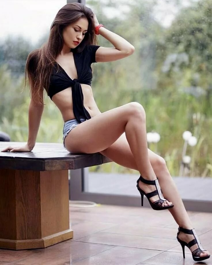 Sexy legs babe
