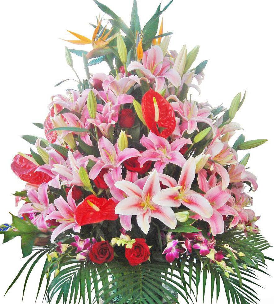 Поздравление с днем рождения женщине картинки с лилиями цветами