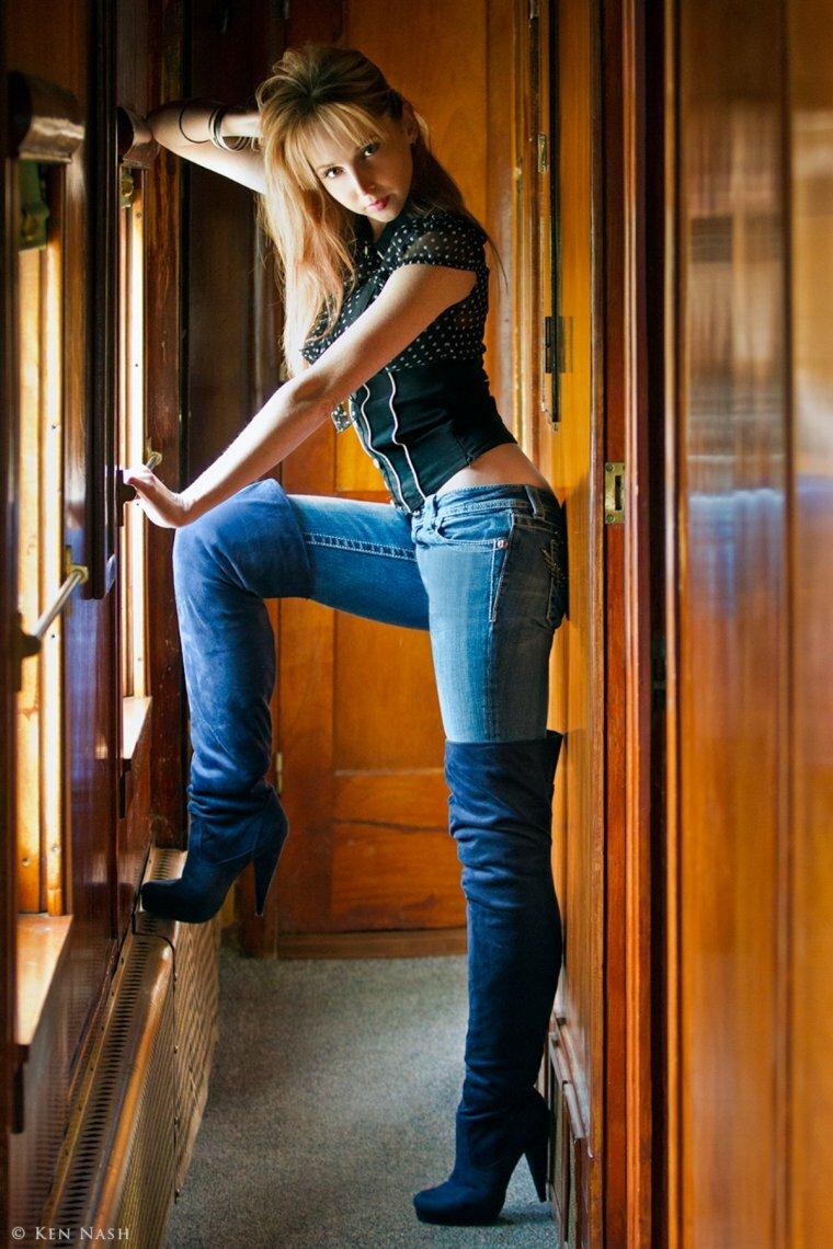Популярные фото телки в джинсах со спины сказала