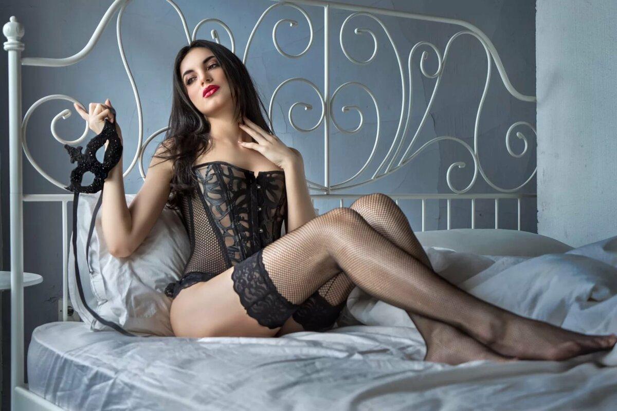 Красивые девушки в черных чулках девушки порно