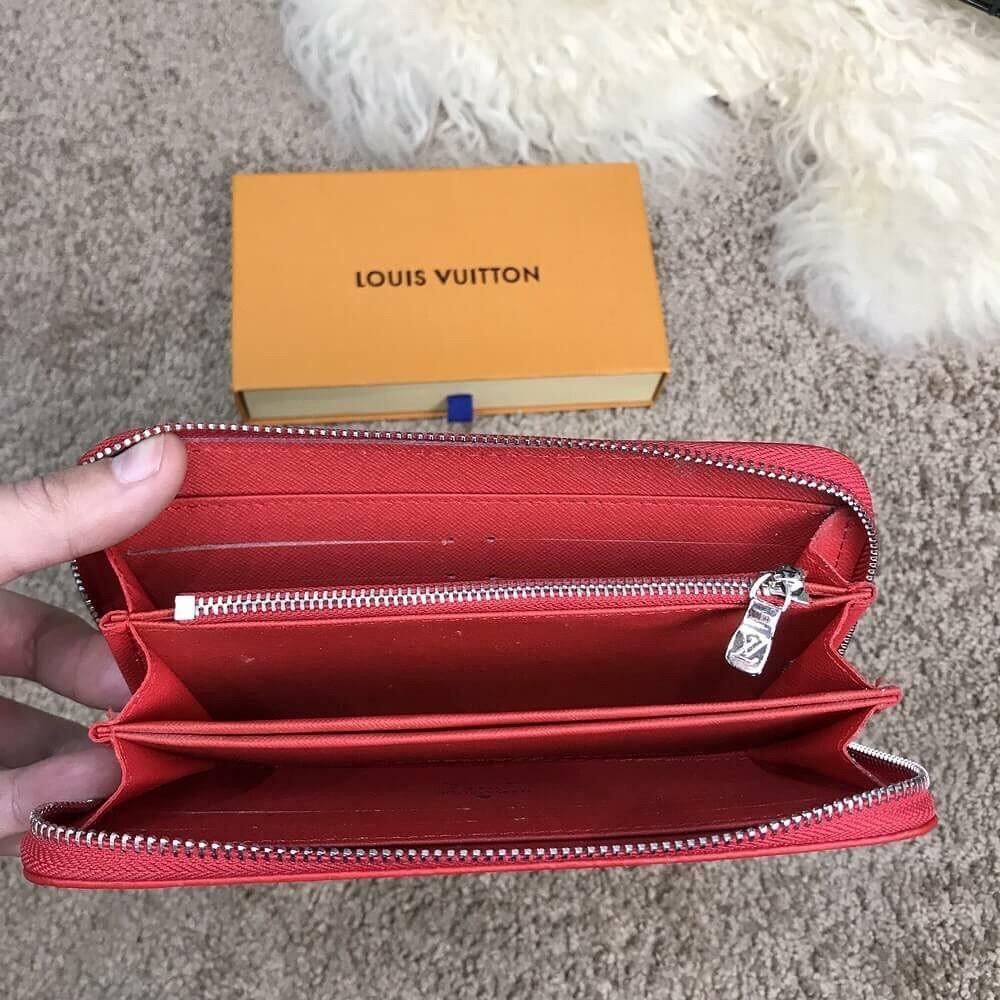 6ce7400706ed ... Женское портмоне Supreme от Louis Vuitton в Верее. Кошелек черного  цвета Купить со скидкой -