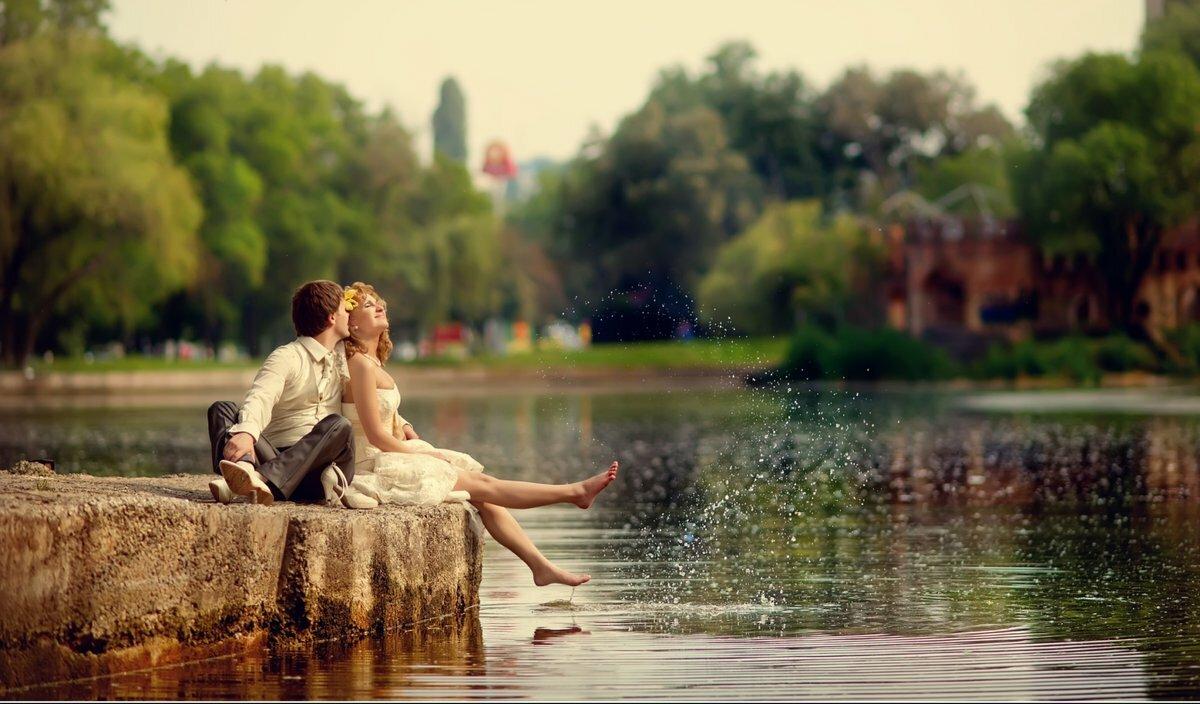 свидание у реки картинки хорошо