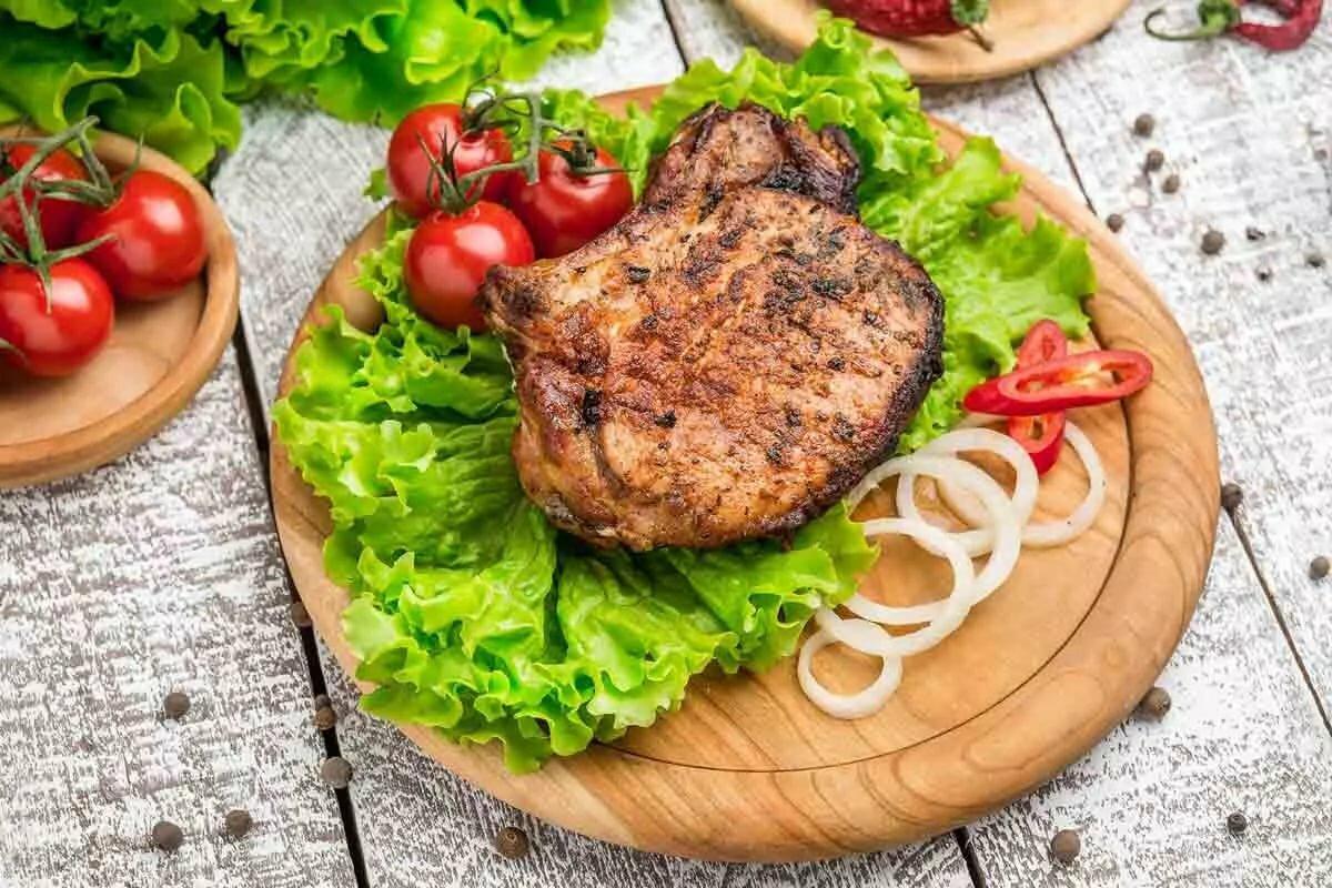 стейк из свинины в картинках