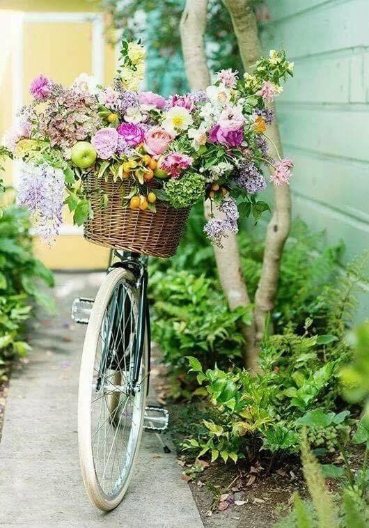 Картинка продавщица цветов на улице