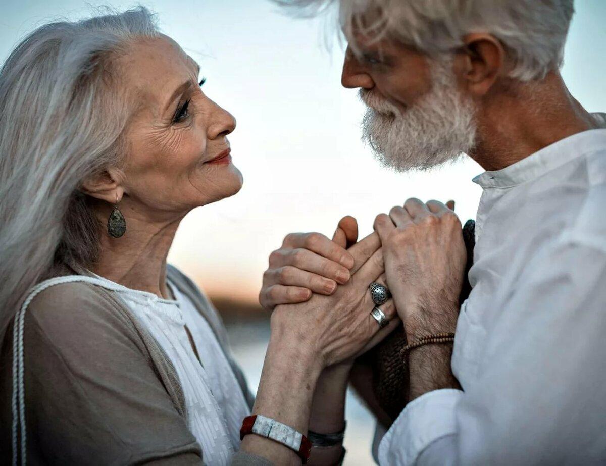 картинки любящая пара в старости его словам