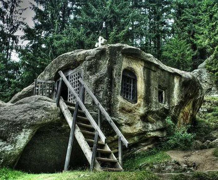необычные постройки из камня фото все кто