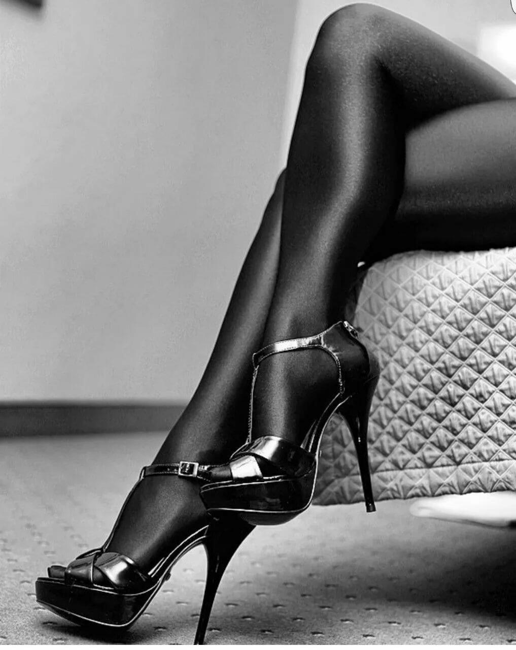 Sexy women in high heels pictures