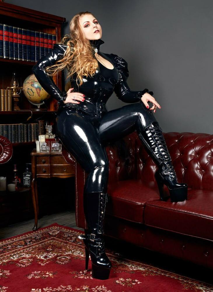 Dominant Ladies Latex Leather Xhamste 1