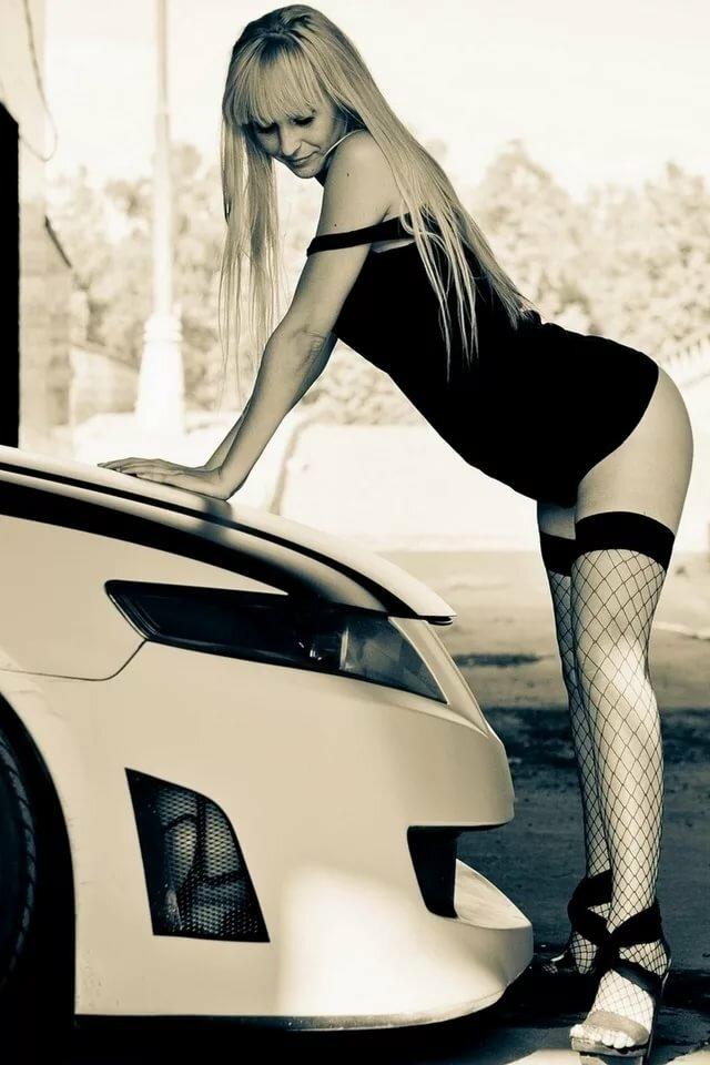 Картинки машины адидас с девушками