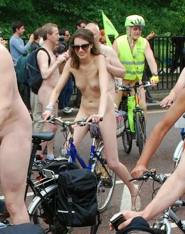 naked-bike-cup-ass-and
