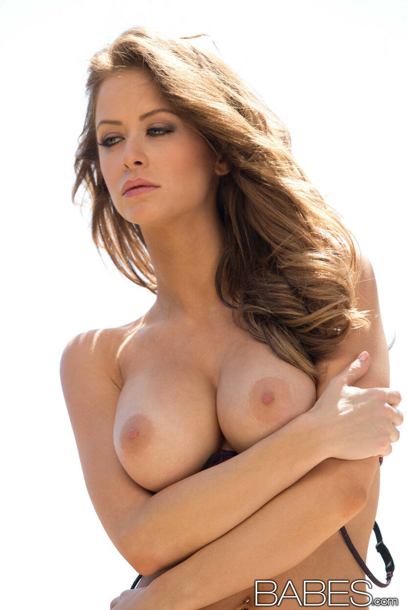 Babe emily addison nude — pic 9