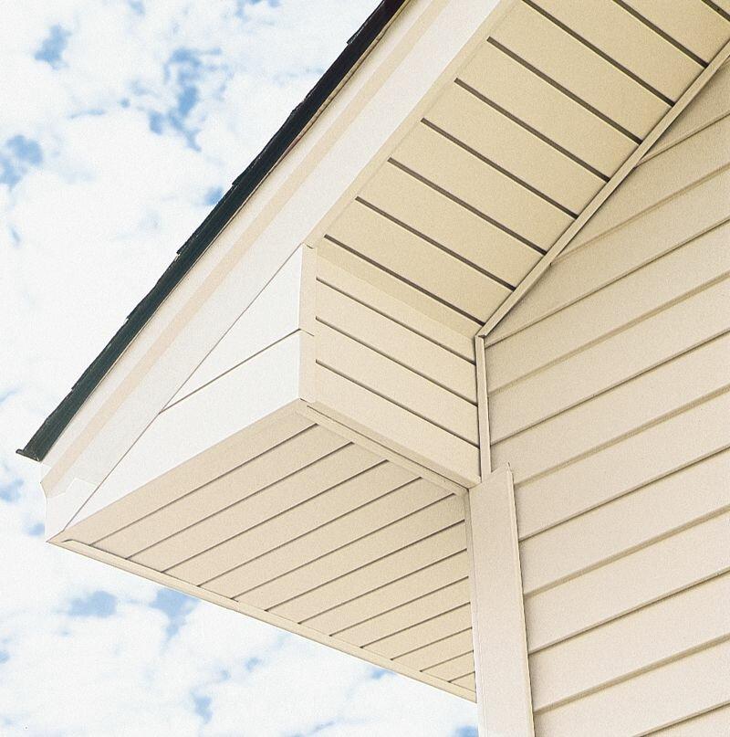 подшив фронтона крыши сайдингом