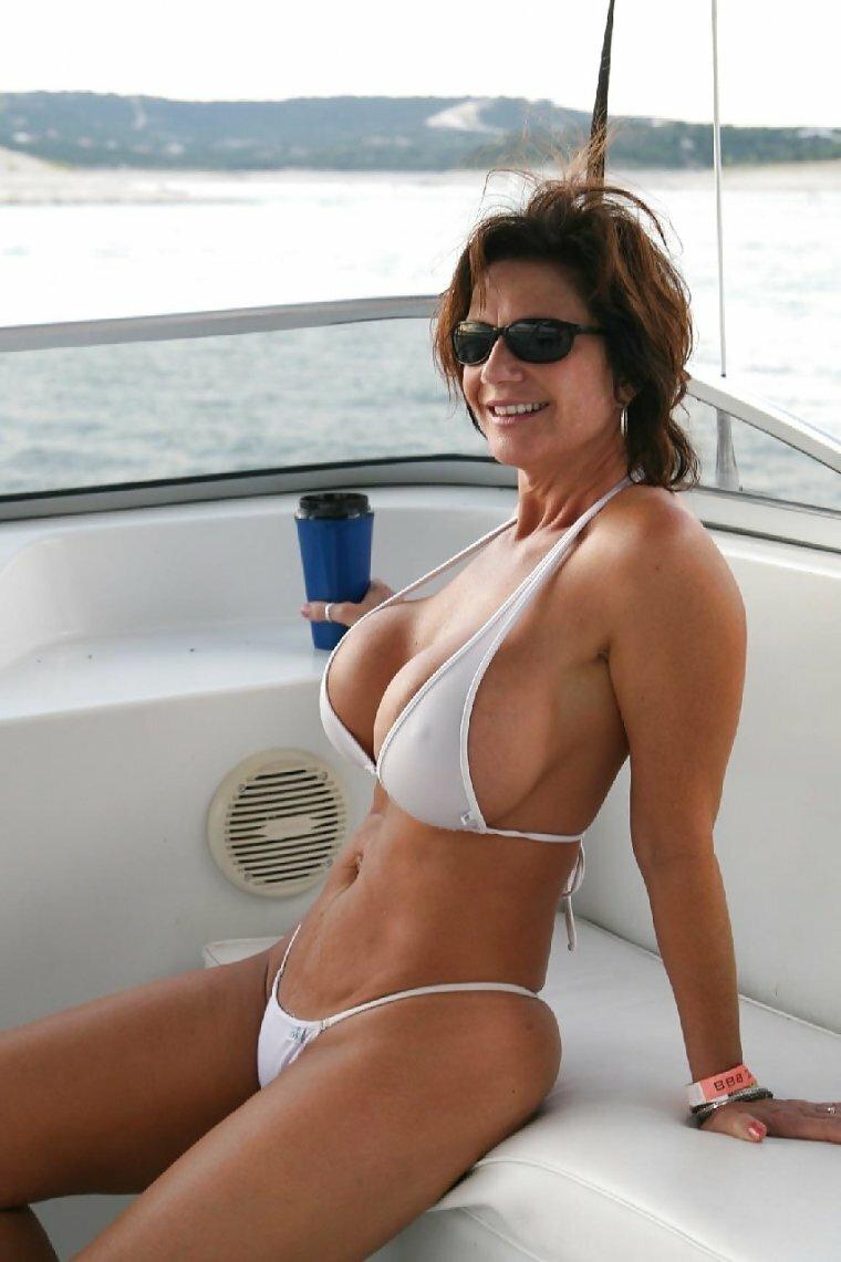 Camelia triangle bikini bottom for moms