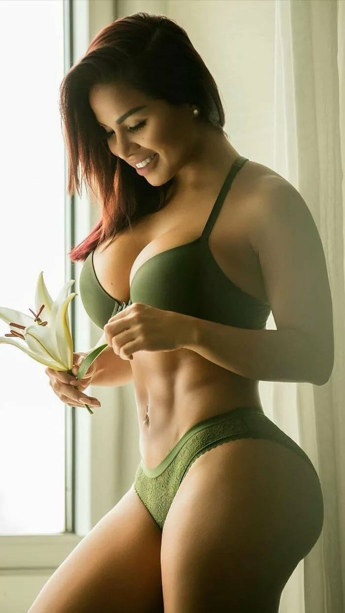 hot-girls-with-nice-curves