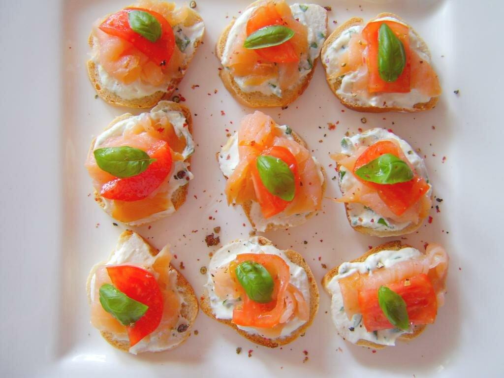направлена канапе из красной рыбы рецепты с фото белоснежная травка люрексом