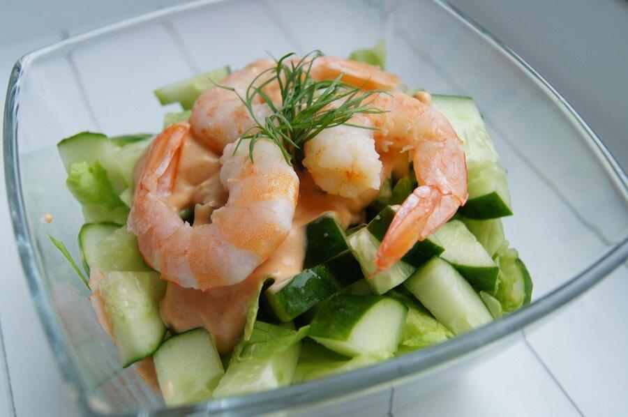 Рецепты салатов из креветок с фото простые
