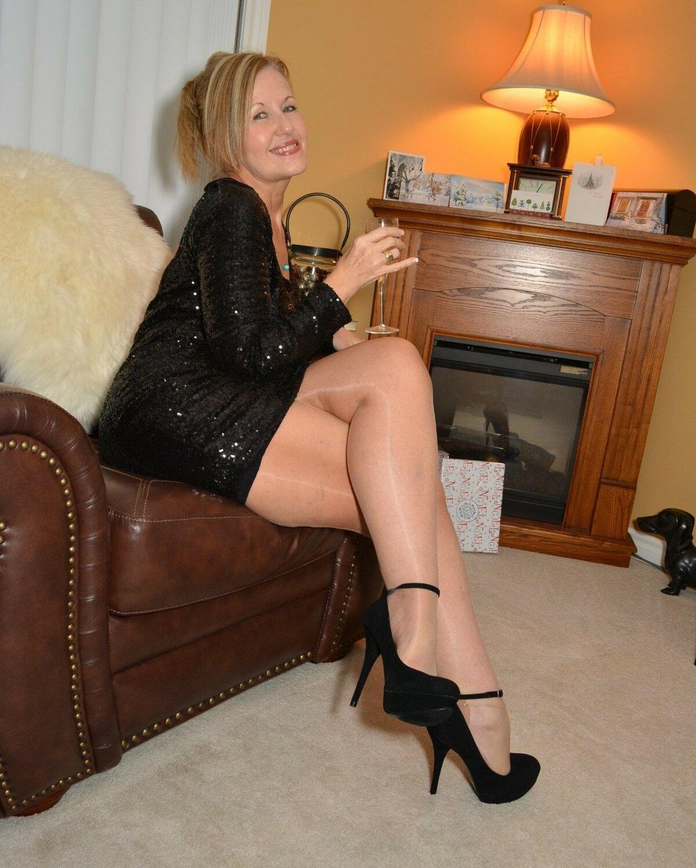 amature-women-in-pantyhose