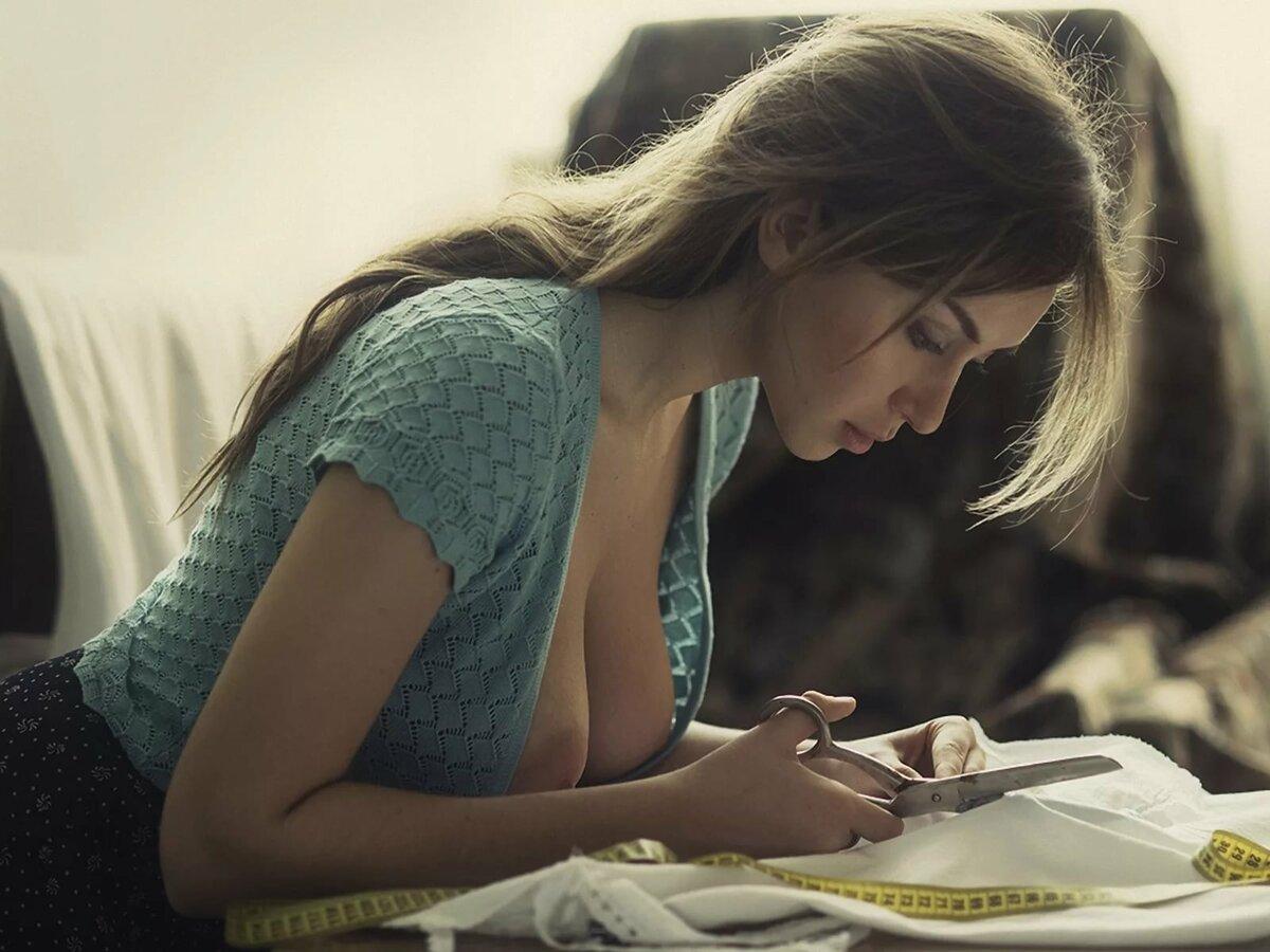 Девушка и фотограф на раздевание, голенькая студентка видео