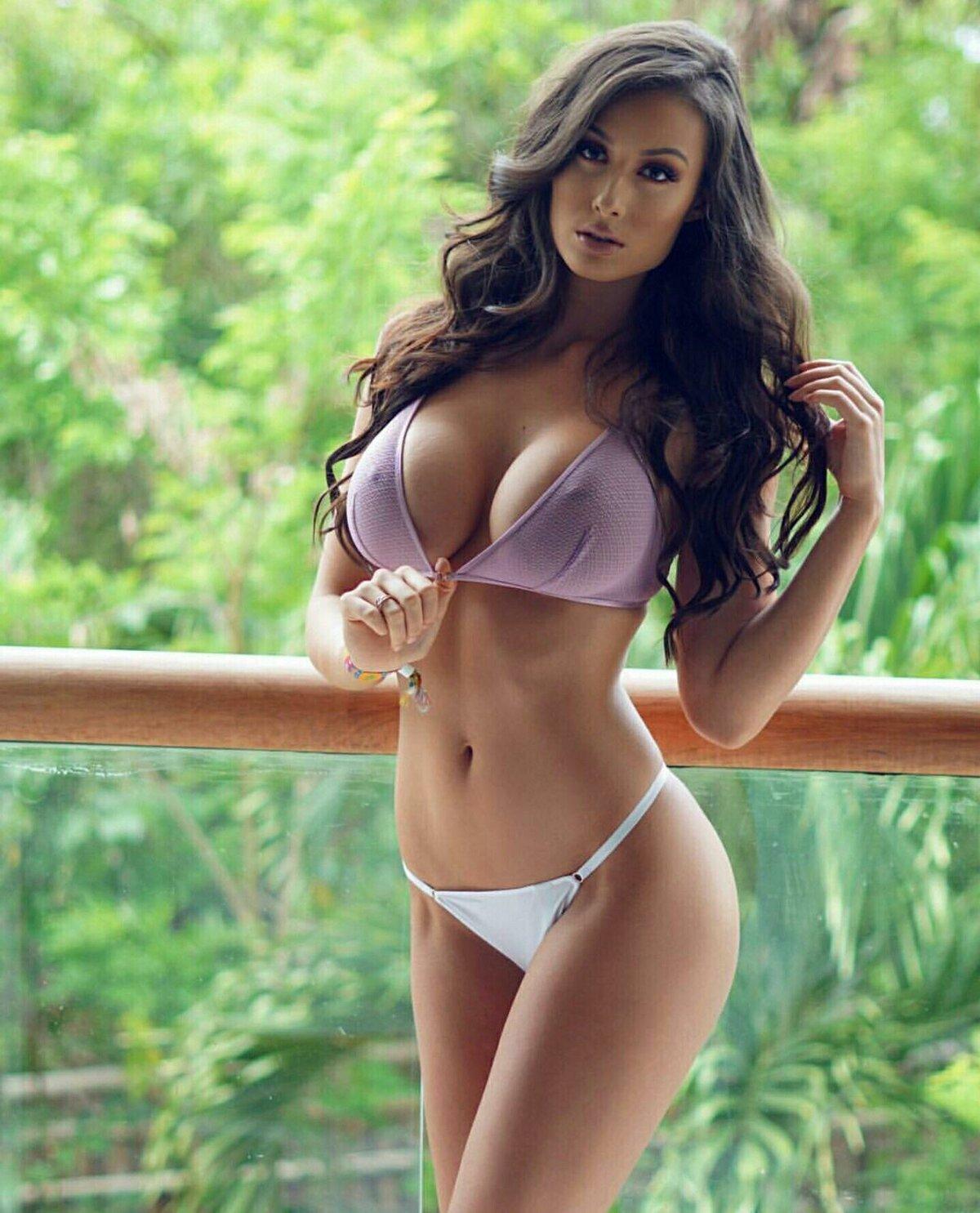 Красивая фигура и грудь