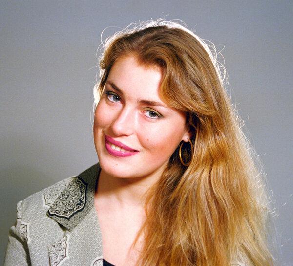 Голая Мария Шукшина (Телеведущая Жди Меня)